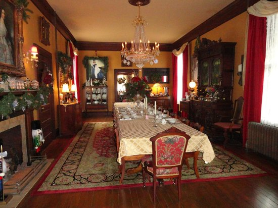 The Reynolds Mansion : Breakfast room