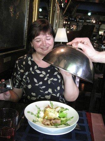 The Most Expensive Galician Restaurant: Оригинальный салат из бекона с грушей и деревенским творогом