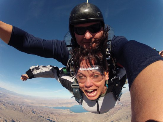 Skydive Las Vegas : flying high!