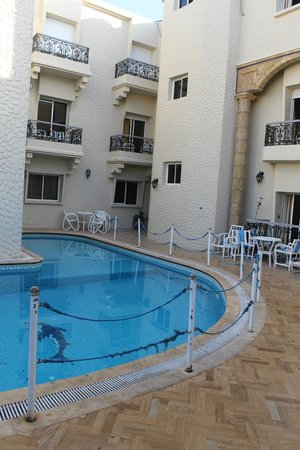 Al Jasira Hotel: Pool