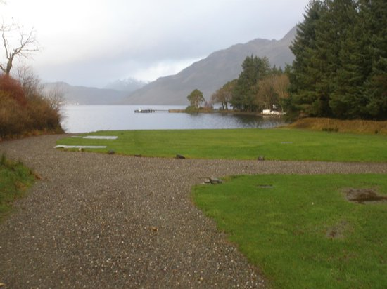Rowardennan Hotel: The view from just outside the hotel