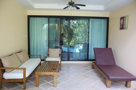 Crown Lanta Resort & Spa: Pool Access Deluxe Room