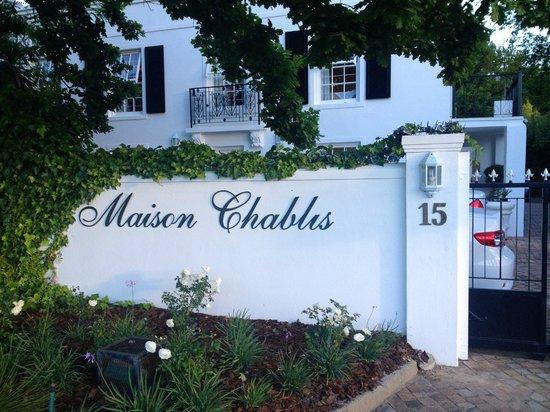Maison Chablis Guest House : Einfahrt