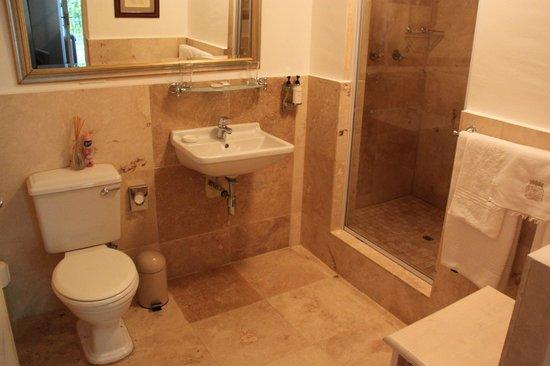 Maison Chablis Guest House : Badezimmer