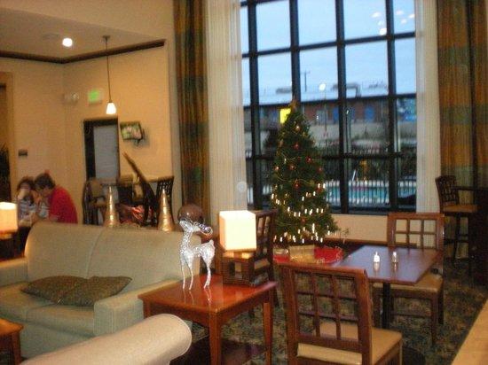 Staybridge Suites San Antonio Sea World: Lounge area