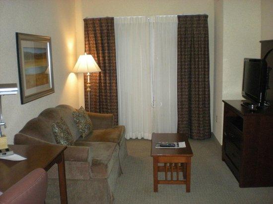 Staybridge Suites San Antonio Sea World : 1 bedroom suite
