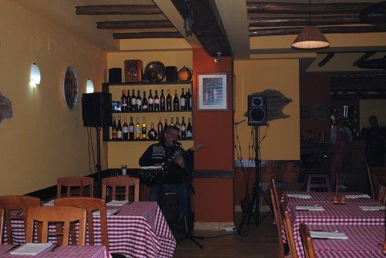 Jardim Rustico: Restaurante3