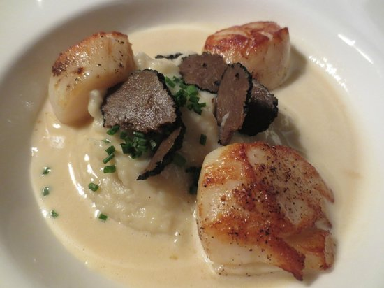 21 Boulevard : Pan-fried scallops with Cauliflower mousseline and Burgundy Truffle