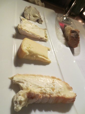 21 Boulevard: Cheese platter - Too much cheese for us. Cheese was wonderful but one of these EACH!!