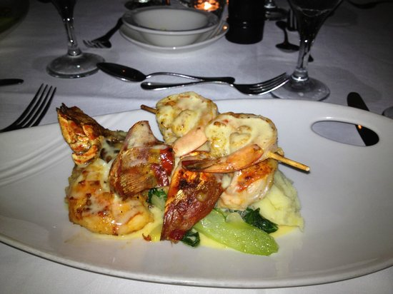 Couples Tower Isle: Lobster served every Friday Night!