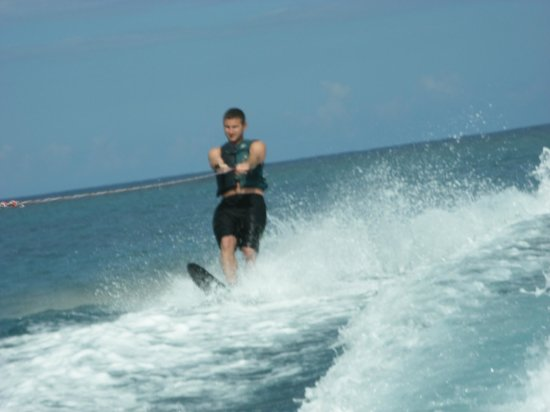Couples Tower Isle : Waterskiing is included!