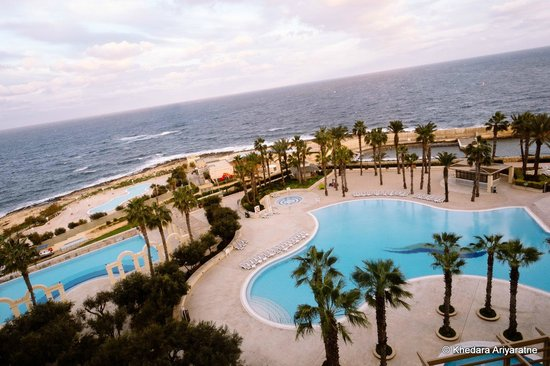 Hilton Malta : There's an indoor pool too
