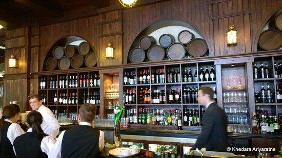 Hilton Malta: The bar
