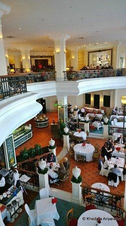 Hilton Malta: Dining hall and Restaurant