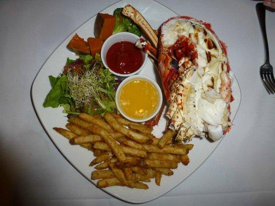 Lobster Alive: large 2 lb lobster
