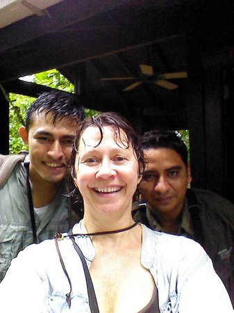 The Lodge and Spa at Pico Bonito : Ezdras, me and Sandro after our wet walk on the loop trail