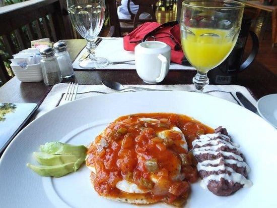 The Lodge and Spa at Pico Bonito : Huevos Rancheros, one of my many great dining experiences