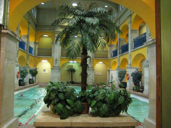 Rudas Baths : BAGNI RUDAS - PISCINA ACQUA 29°