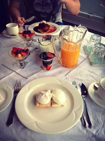 Rum Doodle Bed & Breakfast: Poached eggs with Haddock