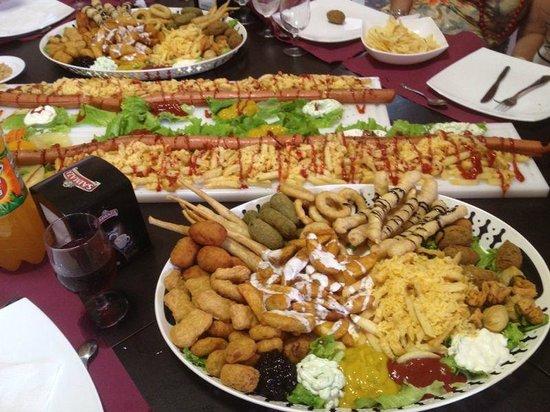 Queen Boulevard: Nuestra comida de grupo