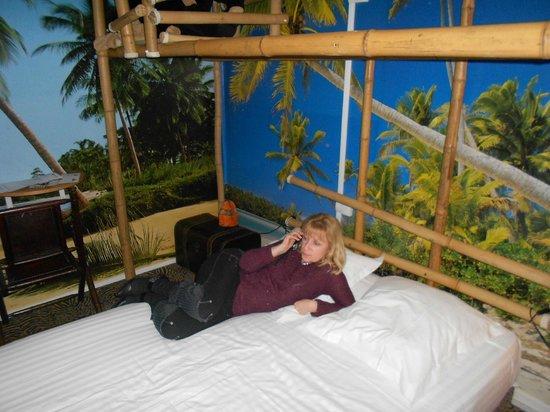 Hotel Jules Verne Futuroscope: chambre safari