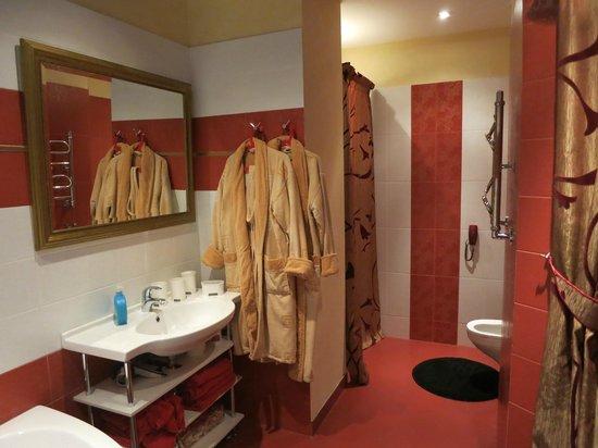 VIP Apartment Minsk: Ванная комната
