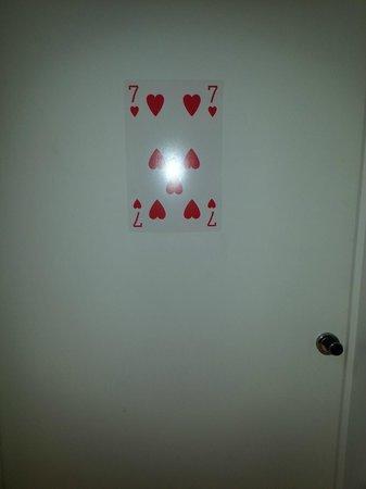 FunKey Hotel : porte de la chambre