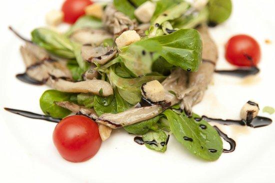 Gasthaus Ruf: Feldsalat mit Austernpilze