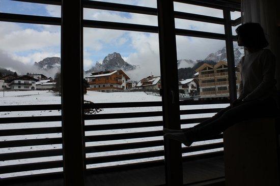 Saleghes Mountain Residence: Вид из окна