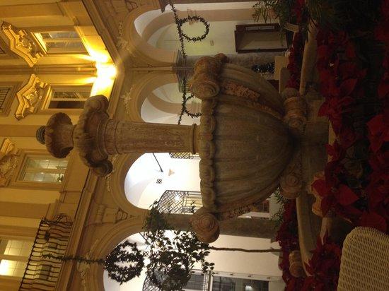 Grand Hotel Piazza Borsa: Hall