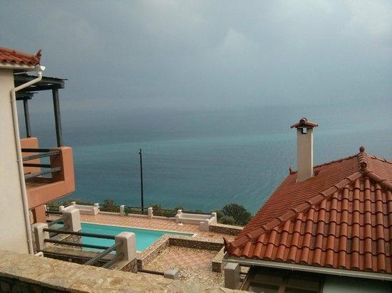 Apelon Tiritas Villas : See view