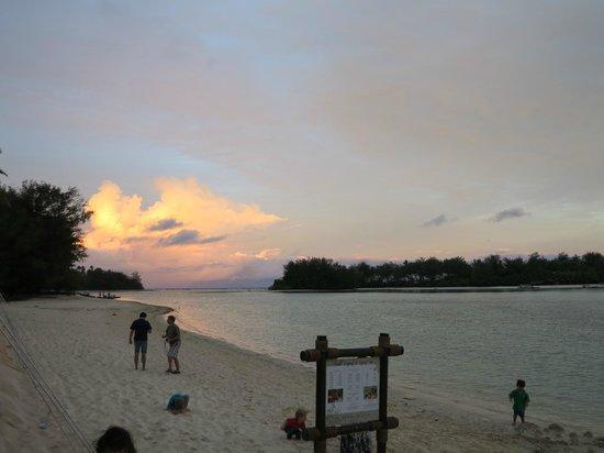 Pacific Resort Rarotonga : Sunset at Muri