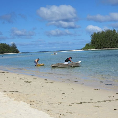 Pacific Resort Rarotonga: Kayaks and paddle boards are readily available for free