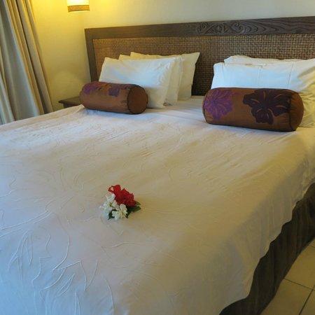 Pacific Resort Rarotonga : The master bedroom in the 2 bedroom unit