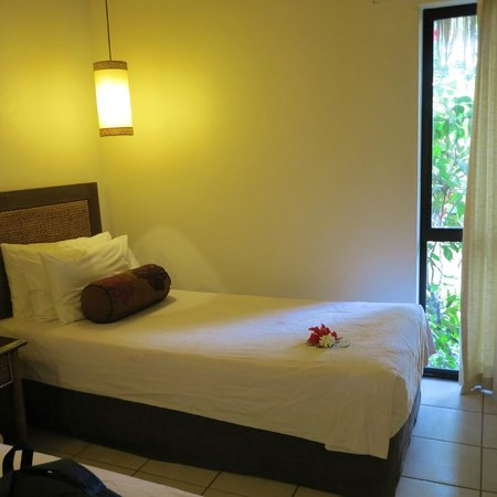 Pacific Resort Rarotonga : The twin bedroom in the 2 bedroom unit