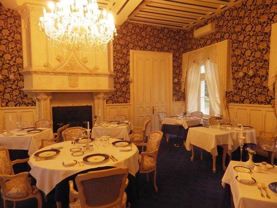 Chateau Hotel Savigny: Salle à manger (dîner)