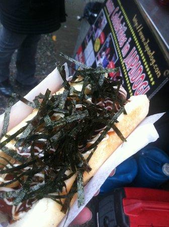 Japadog: Yummy seaweed crunch tastes good on a dog!