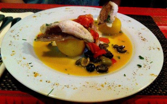 White Pinoy Restaurant & Bar: Fish