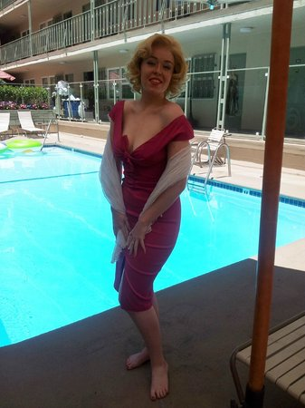 Hollywood Orchid Suites : the last day, august 6, 2012 me dressed as marilyn monroe