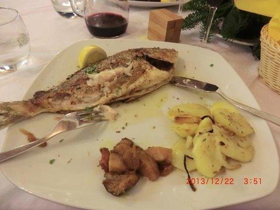 Ristorantino da Spano: 鯛のような焼き魚