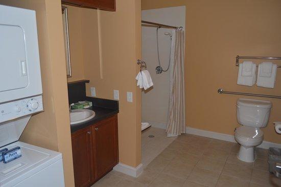 Holiday Inn Club Vacations Williamsburg Resort: Bathroom