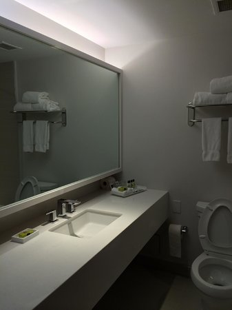 InterContinental Toronto Centre: Bathroom