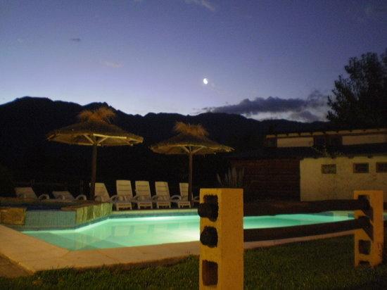 Casona y Cabanas Rio Mendoza: Noche de Verano