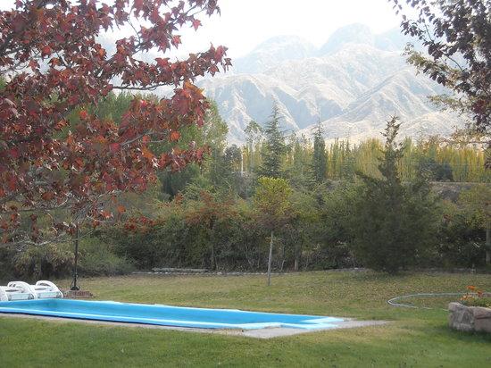 Casona y Cabanas Rio Mendoza: Otoño en el Parque