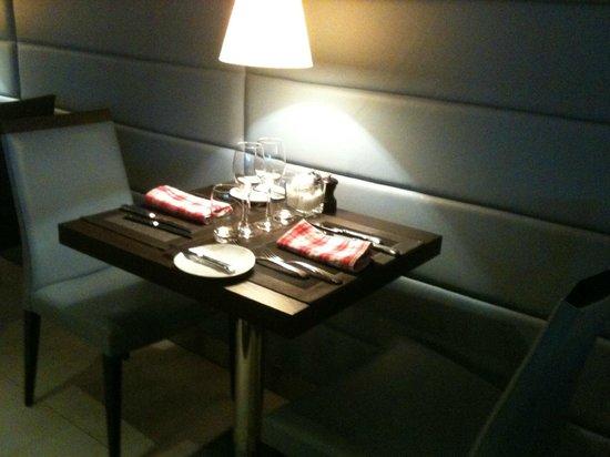 Hilton Strasbourg: Pour deux, entre modernité et tissus régionaux