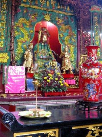 Sin Sze Si Ya Temple : Main Altar