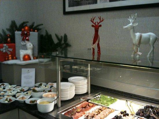 Hilton Strasbourg : Buffet du dimanche, les entrées froides, ambiance de Noël