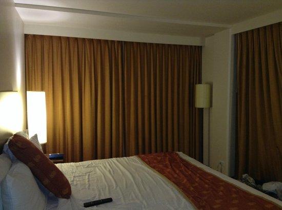 Park Shore Waikiki: King room