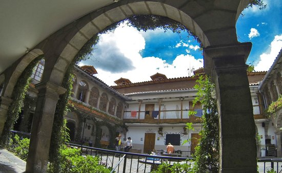 Pariwana Hostel : Pátio interno