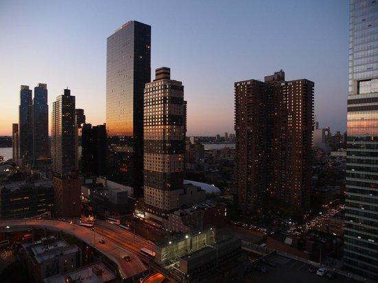 Distrikt Hotel New York City: Part view room